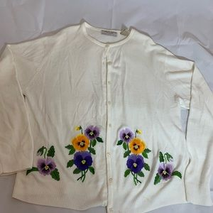 Cardigan white embroidery pansies XL